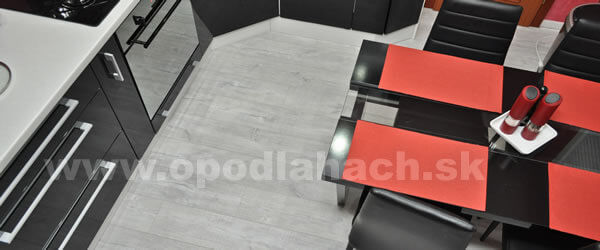 vinylova-podlaha-v-kuchyni-3