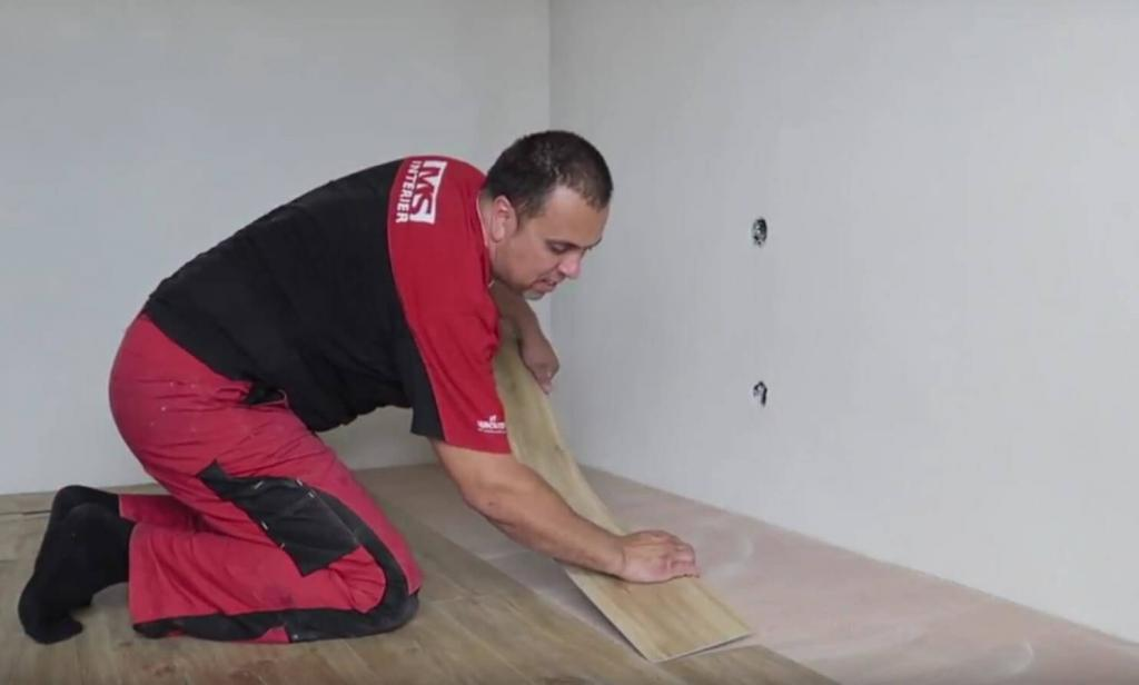 Lepenie vinylovej podlahy