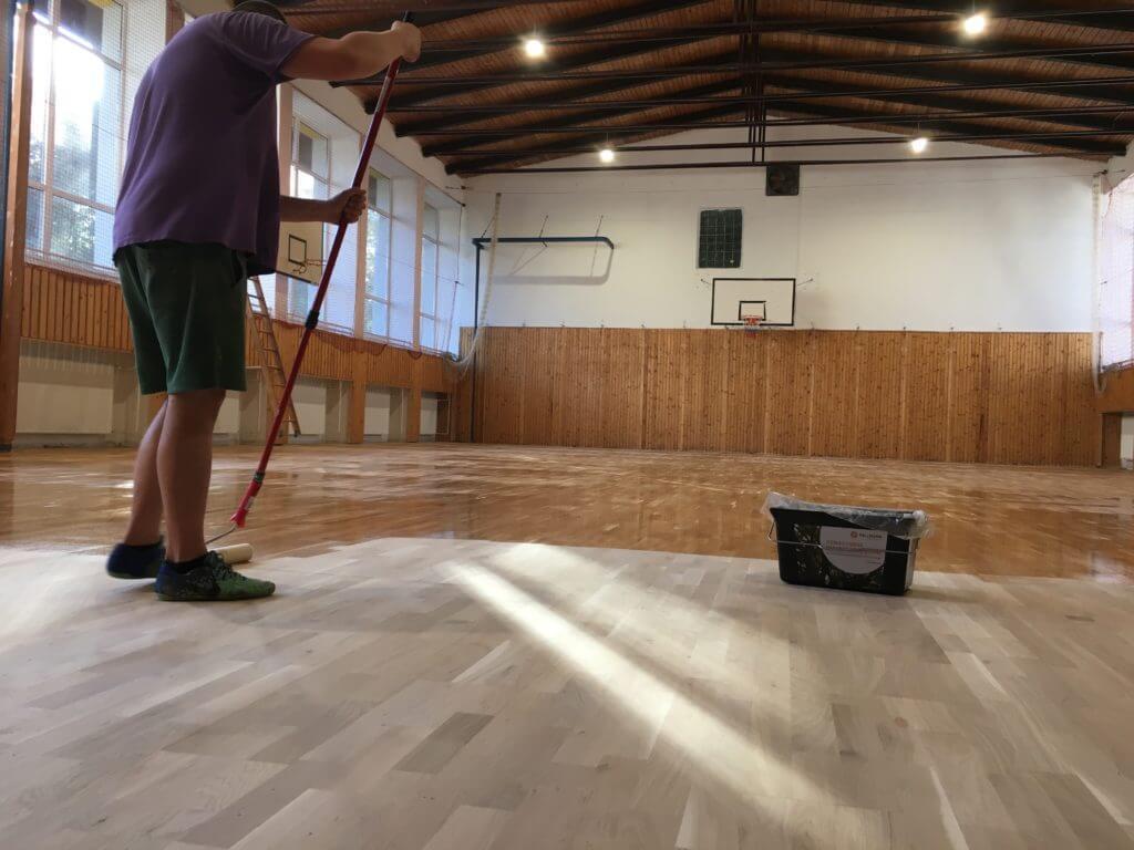 Športové podlahy - lakovanie športovej podlahy